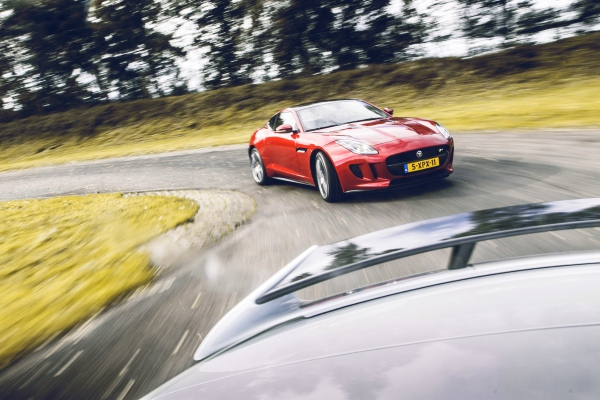 Jaguar F-Type R Coupé vs XKR-S Convertible