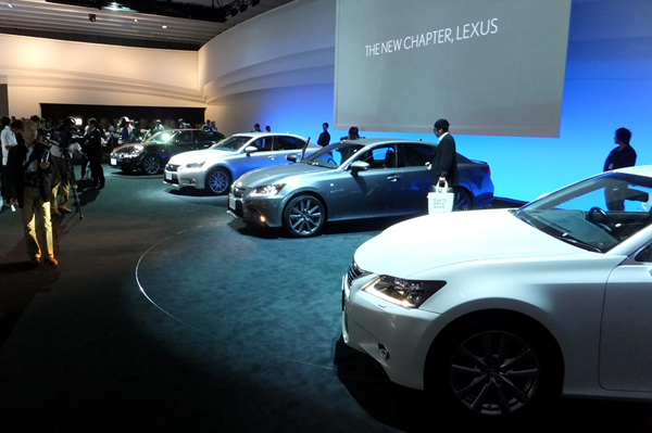 tms_2011_lexus_stand_01