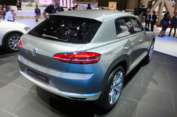 tms_2011_volkswagen_cross_coupe_concept_2